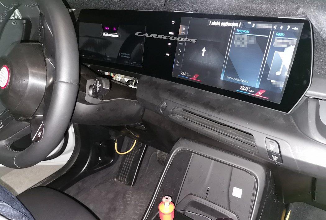 大改款BMW 2 Series Active Tourer換上了全新弧形狀螢幕,...