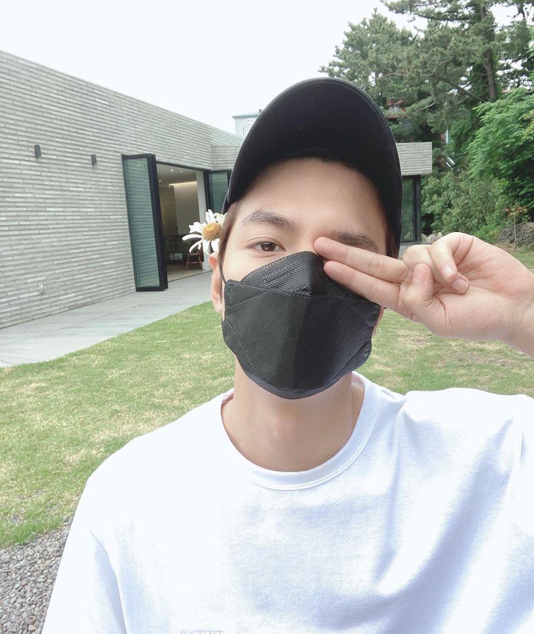 李敏鎬33歲了。圖/擷自IG