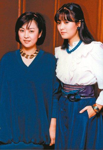 銀霞(右)、甄珍曾是70年代演藝圈最強玉女姊妹花代表。  圖/本報系資料照片