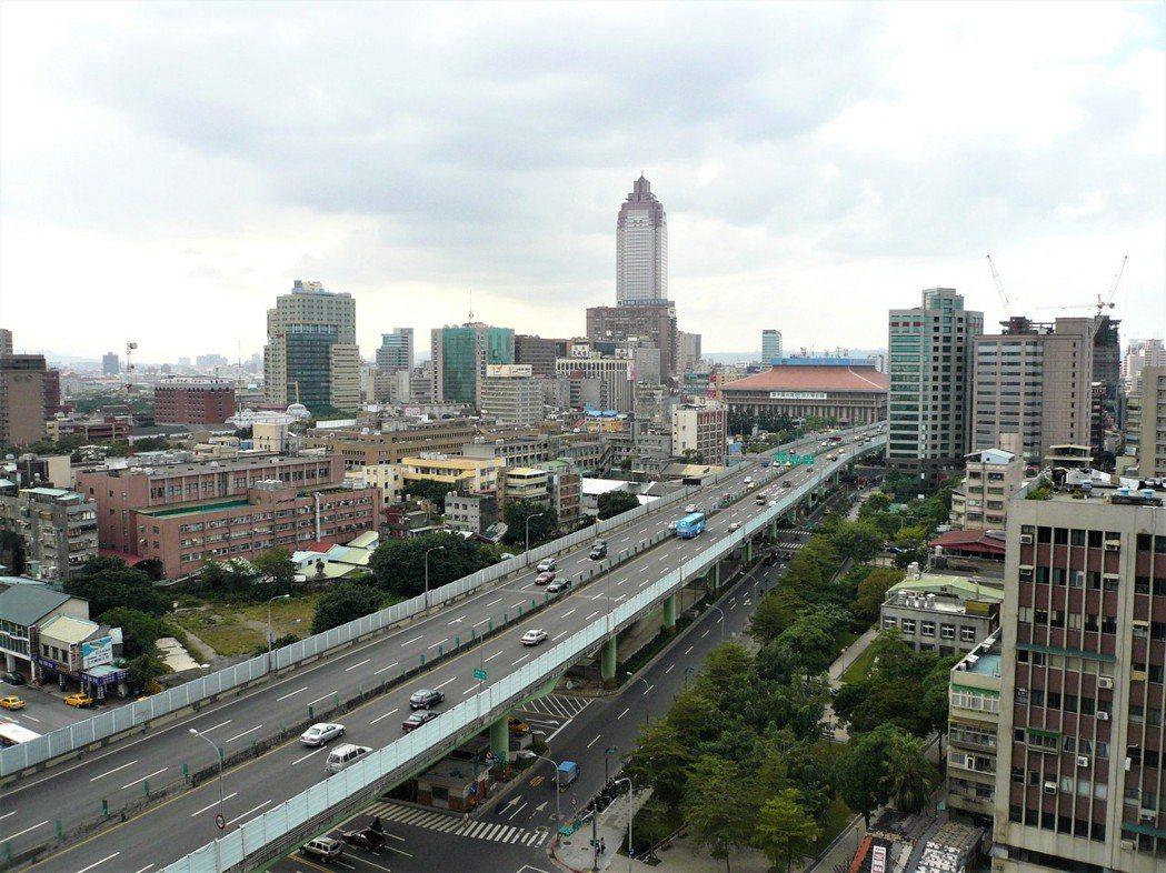 台灣房屋智庫今(23)日公布2020下半年房市購屋意願調查。記者游智文/攝影