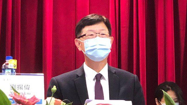 鴻海董事長劉揚偉首度主持股東大會。記者尹慧中/攝影