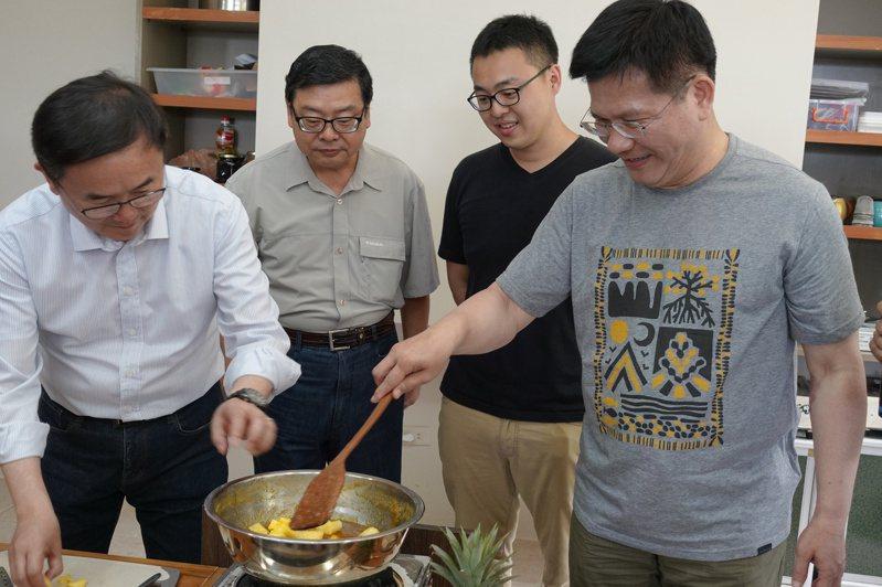 交通部長林佳龍今到台東推廣深度旅遊,強調台灣觀光不只是走馬看花,有很豐富的文化、生物多樣性,很直得體驗。記者邱瓊玉/攝影