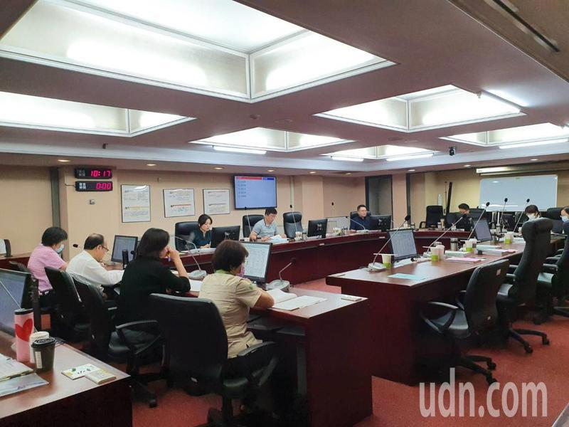 台北市議會教育委員會上午審議大巨蛋開發案107年度特別決算保留案。記者楊正海/攝影