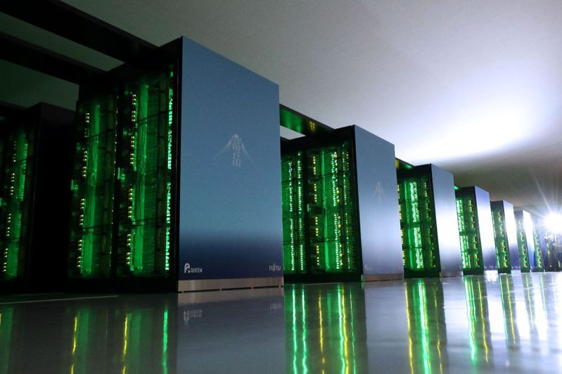 日本理化學研究所與富士通開發的超級電腦「富岳」,在今天發表的超級電腦計算速度排行榜TOP 500中蟬聯第一。法新社