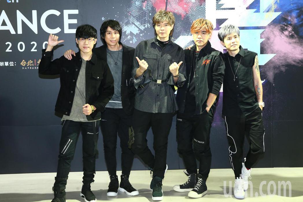 偶像團體八三夭擔任2020捷運盃街舞大賽的代言人,而當天將首度在台北東區封街舉辦...
