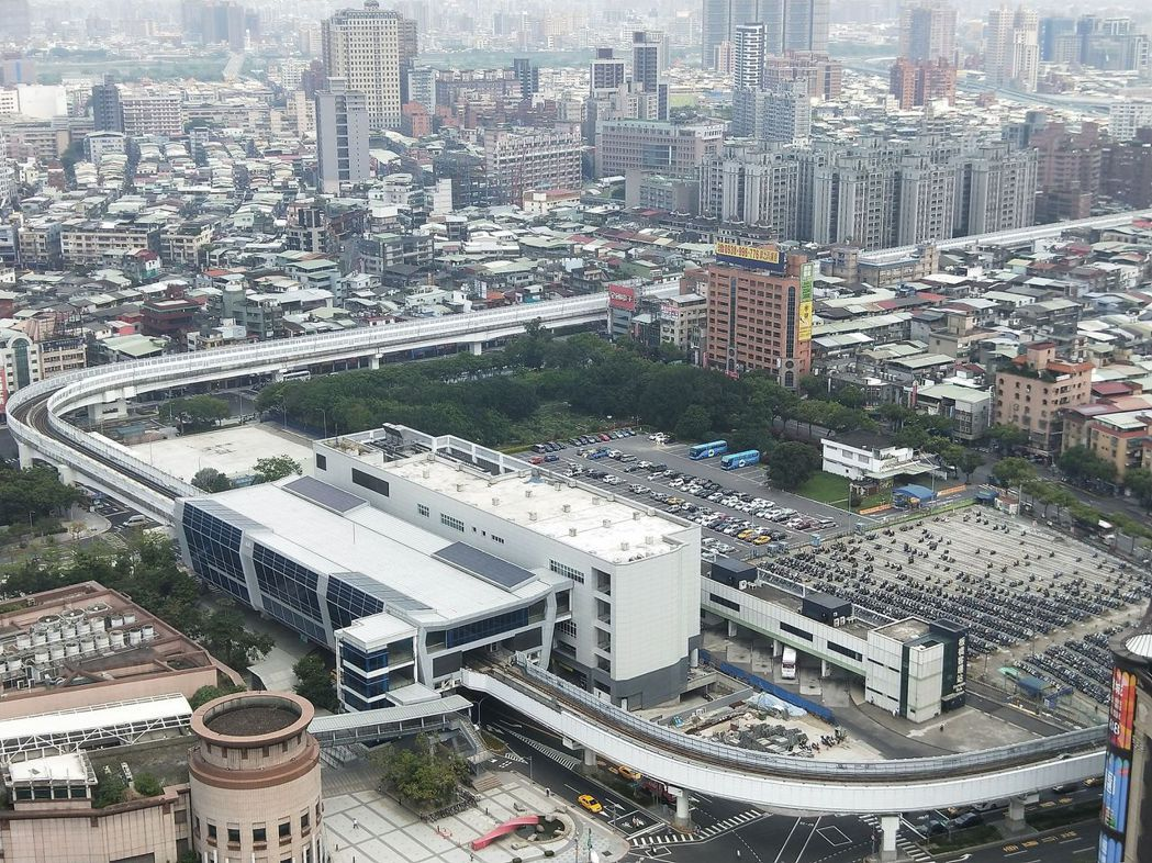 新北市捷運環狀線板橋站啟動招商,希望獲得25億元投資,可獲7億4千萬自償性經費。...
