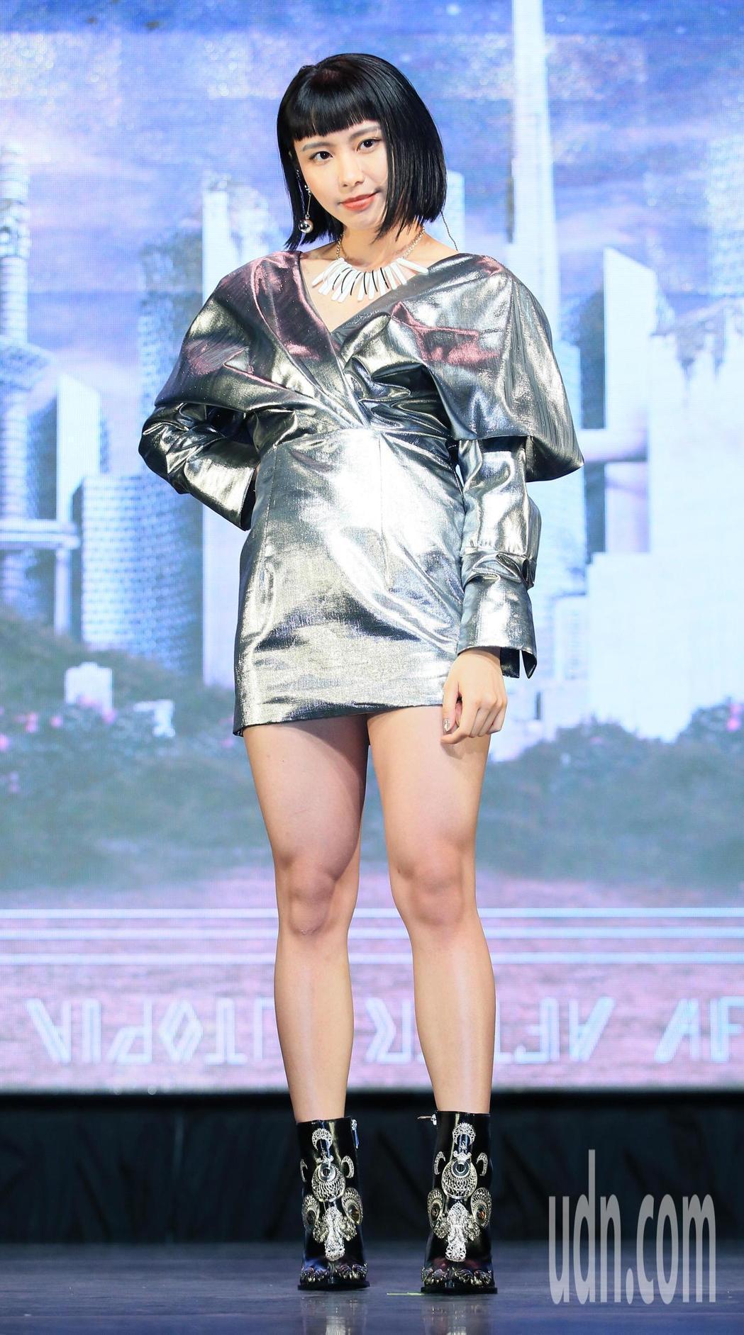 李芷婷推出首張專輯「美麗舊世界」。記者潘俊宏/攝影