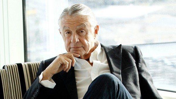 「蝙蝠俠3」、「蝙蝠俠4」導演喬舒馬克罹癌過世,享壽80歲。圖/美聯社