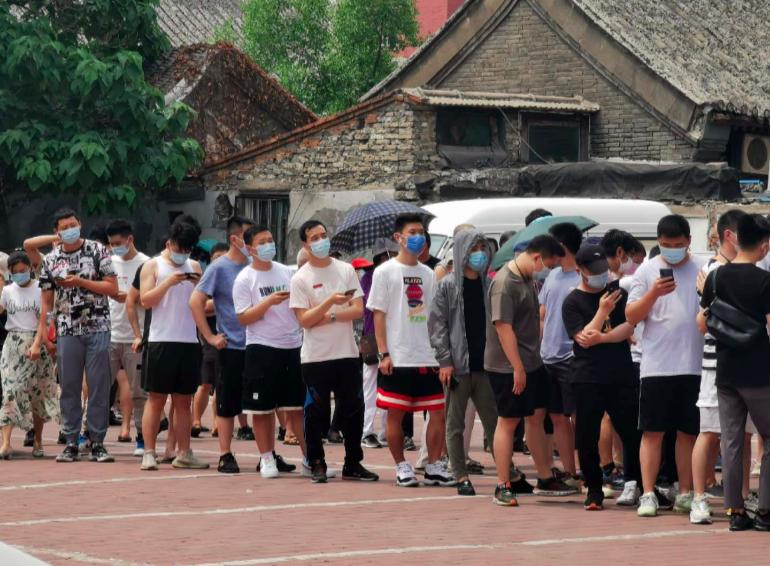北京疫情高風險地區已有5個,中風險地區有38個。中、高風險區內民眾都不准離京。記者賴錦宏/攝影