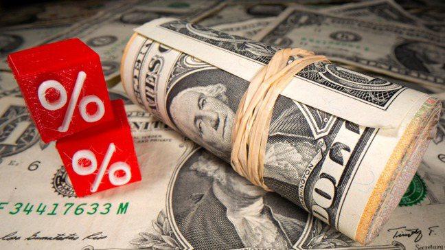 長期以來,敢於質疑美元為世界首要準備貨幣(reserve currency)霸權...