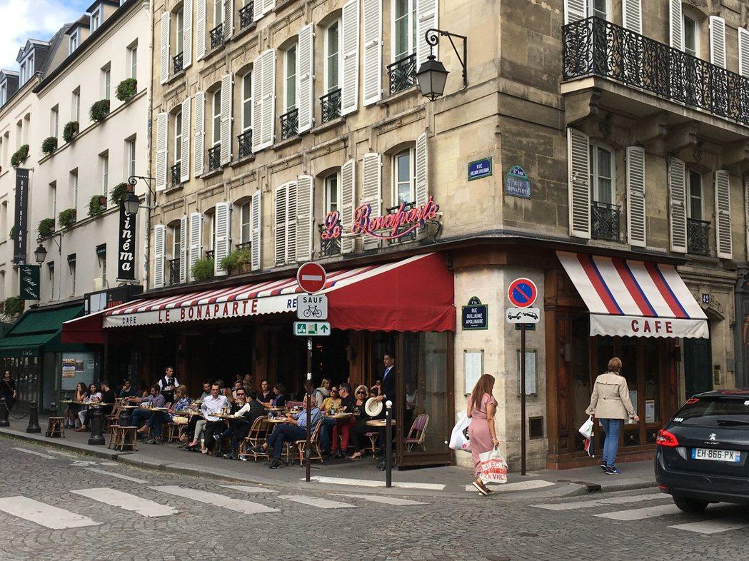 巴黎有著滿滿的、關於古典與摩登美麗的我喜歡的一切,一見鍾情後成鐵粉,至今累積拜訪...