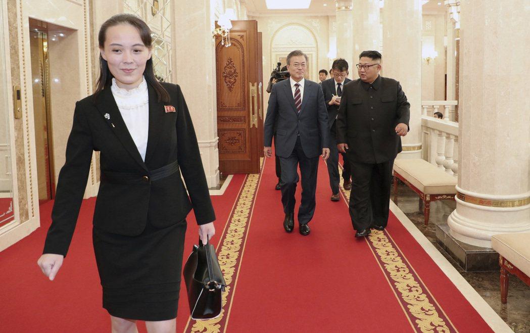 「(南韓進步派)政府現在握有龐大權力,卻站在殘忍的加害者金正恩那邊,而非站在我們...
