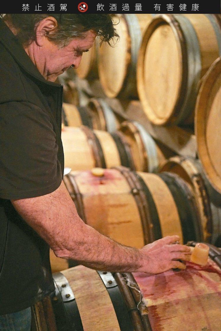 許多自然派葡萄農也一樣釀出澄澈,鮮美,充滿生命力的葡萄酒,甚至也經得起數十年的耐...