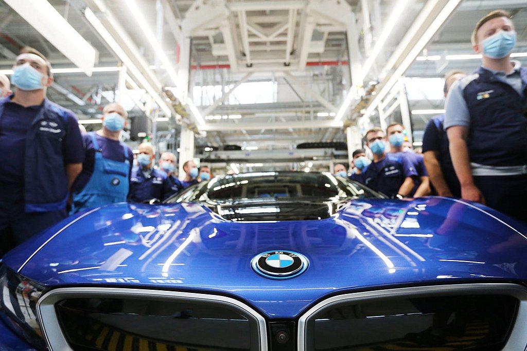 原訂4月中旬生產完畢的BMW i8,因為全球疫情導致車廠停工影響,最後一輛BMW...
