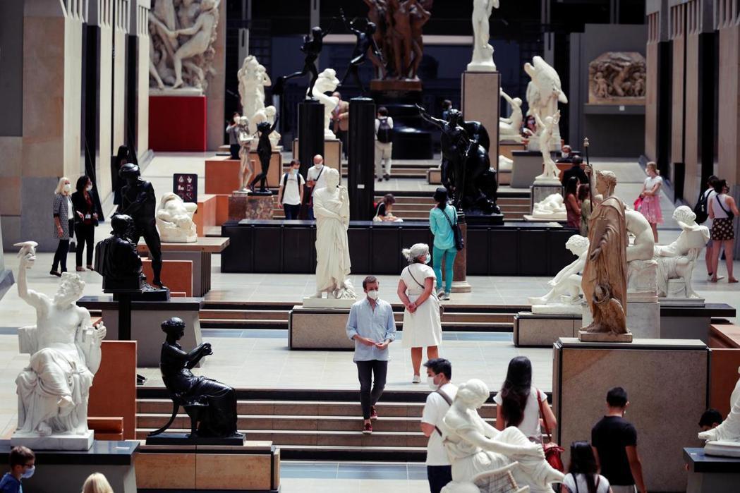 博物館的財務難關尚未完結,另一波裁員潮仍可能再度襲來,全球博物館產業正進入寒冬。...