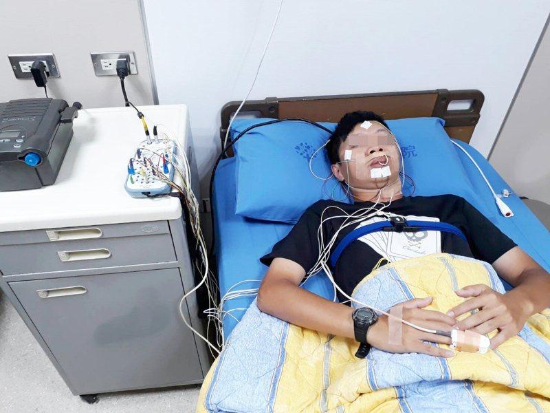 他一夜打鼾1080次還暫停呼吸71秒 尋醫治終能安心睡
