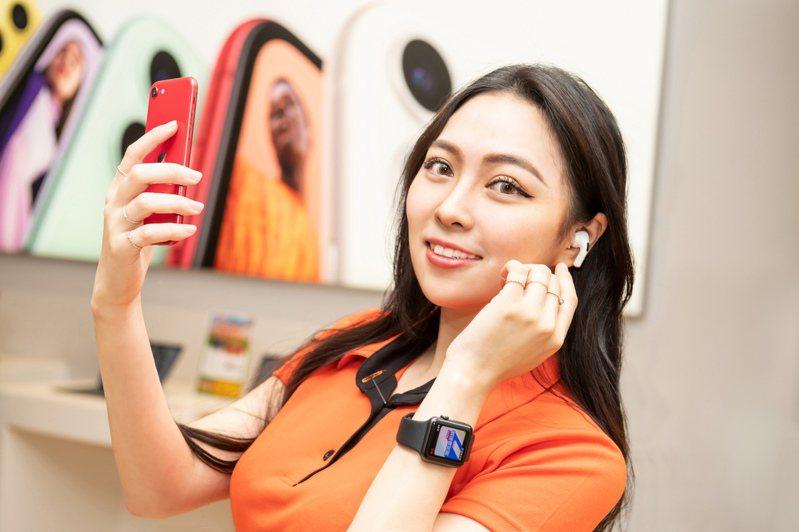 至德誼數位攜碼遠傳申辦月租999方案,Apple Watch 2折起再送旅充。圖/德誼數位提供。