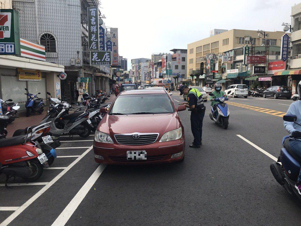 警方強調取締違規目的是提高防制車禍成效,而非提告績效。記者鄭國樑/翻攝