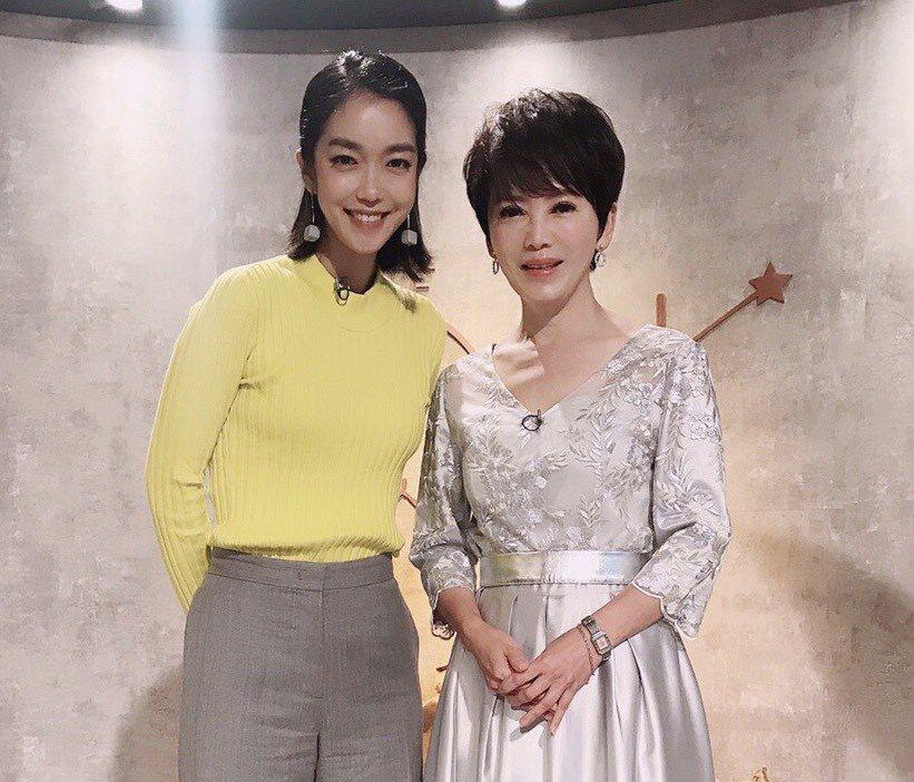 大霈(左)接受陳雅琳節目「我是救星」專訪。圖/壹電視提供