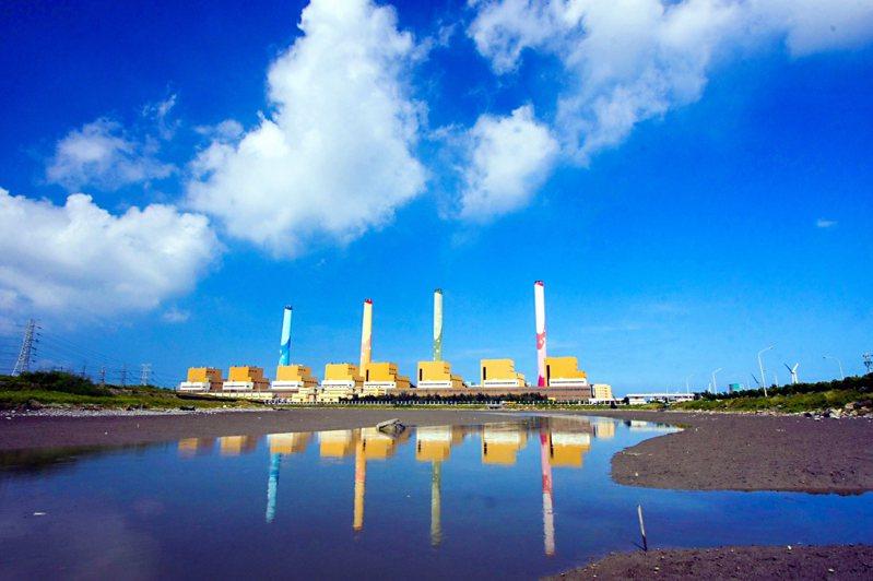 台中電廠2號機今(24日)晚將點火,加入供電行列。圖/台電提供