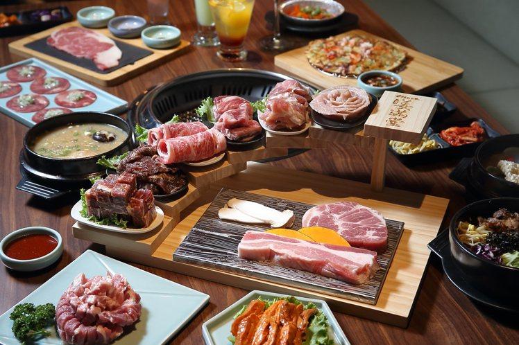 姜滿堂提供有不同的4人套餐,每套2,399元起。記者陳睿中/攝影