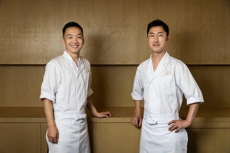 植庭壽司深圳駐店主廚高口志郎(左)和石田一弘(右)。 圖/陳慶華提供