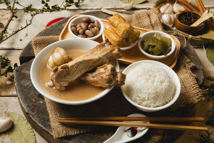 黃亞細於指定門市推出5款套餐,每份170元起。
