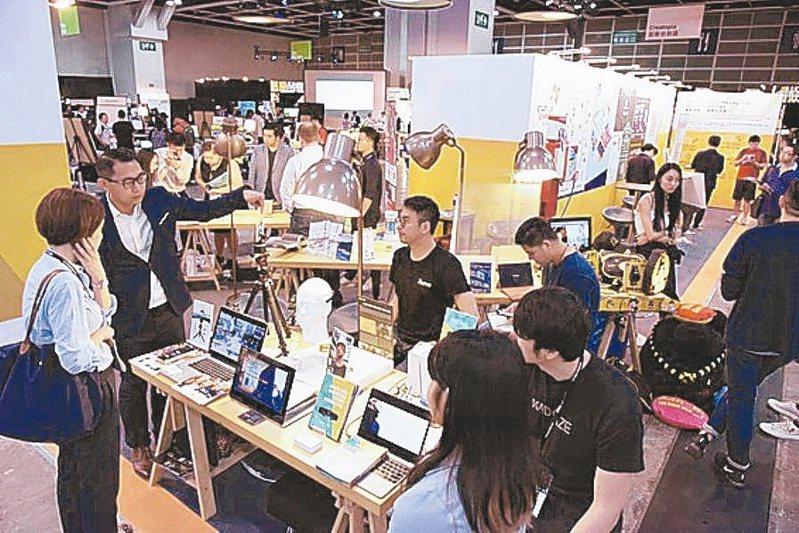 香港金融中心地位可能打折,台灣、日本等競相啟動獵才計畫。(本報系資料庫)