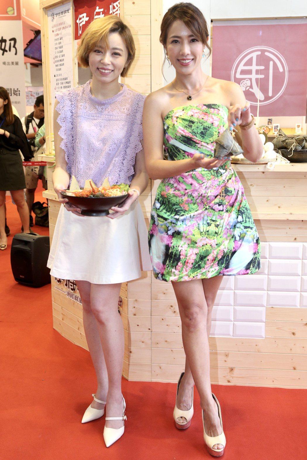 王瞳(左)與黃瑄(右)出席鍋燒麵活動。記者林俊良/攝影