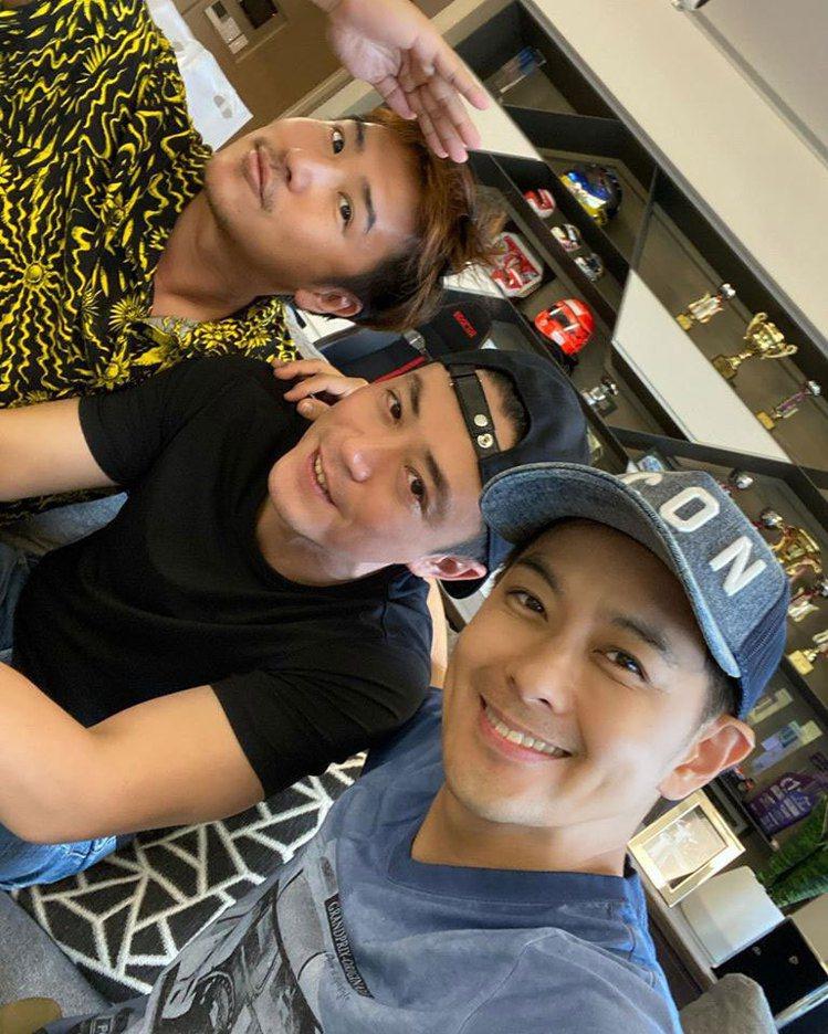 林志穎(右起)同框霍建華、歐漢聲。圖/摘自臉書