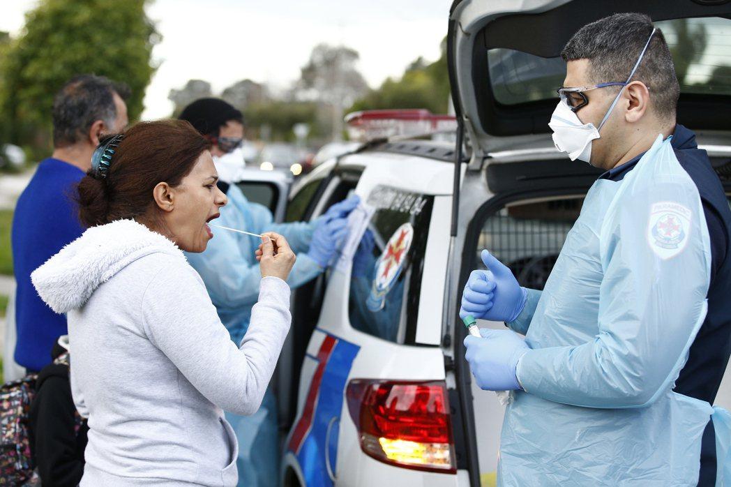 澳洲人口第2多的維多利亞州2019冠狀病毒疾病新增病例連兩週攀上兩位數,當局將從...