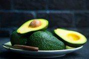 吃當季/全世界最營養的水果「酪梨」可預防多種慢性病,但這3種人要節制!