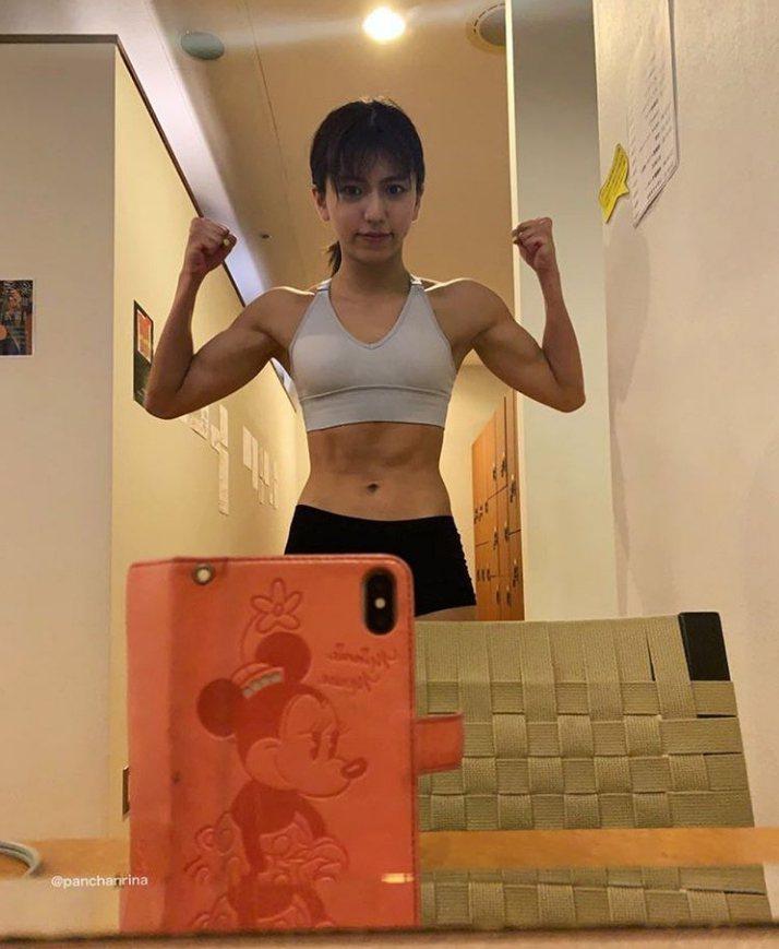 日本新晉美少女拳手岡本璃奈。 圖擷自岡本璃奈IG