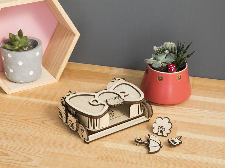 HELLO KITTY多功能置物盒DIY材料包。圖/特力屋提供