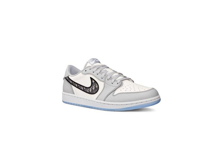 DIOR Air Jordan 1 OG低筒球鞋70,000元。圖/DIOR提供