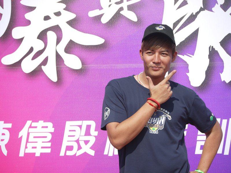 日前王維中再次擔任陳偉殷棒球訓練營教練。聯合報系記者吳敏欣/攝影