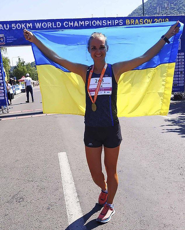 33歲的卡蒂歐夏娃在她的家鄉烏克蘭比賽時中暑和脫水。 圖/翻攝自卡蒂歐夏娃臉書