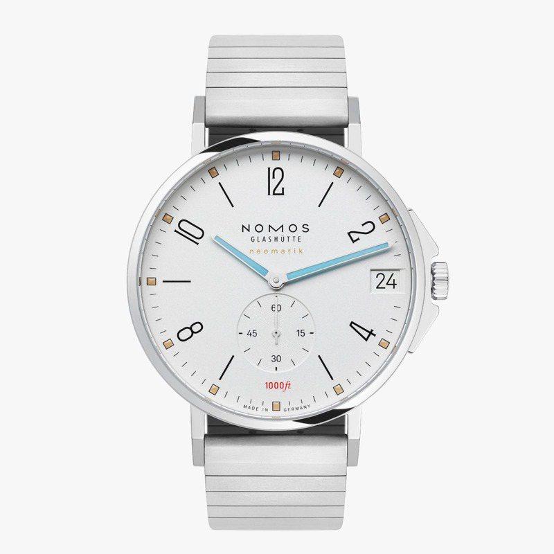 NOMOS,Tangente Sport neomatik 42 Date腕表,精鋼,42毫米,自動上鍊機芯,時間顯示,日期顯示,防水300米,15萬9,200元。圖 / NOMOS提供。