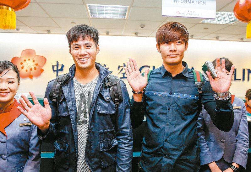 陳偉殷(左)與王維中。報系資料照
