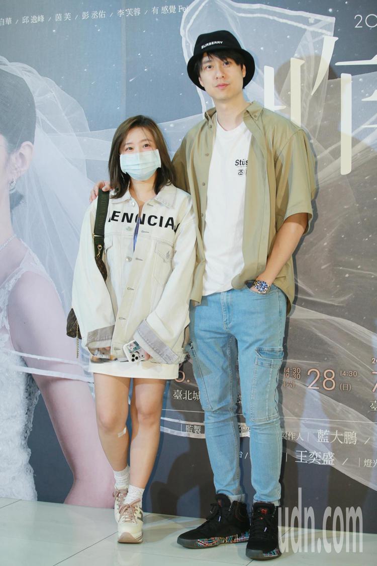 茵聲(左)與男友劉書宏(右)情變。記者許正宏/攝影