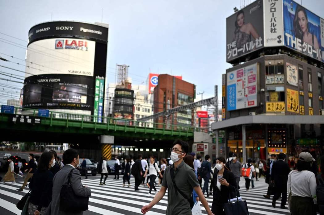 日本NHK報導,廿六日確診的德島廿多歲風俗娘曾去過大阪。(法新社)