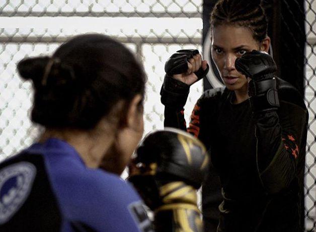 拳擊是荷莉貝瑞喜愛的鍛鍊項目之一。圖/摘自Instagram