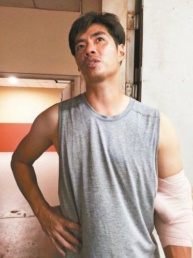 陳偉殷趁端午連假期間到桃園棒球場練習。 記者婁靖平/攝影