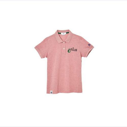 「拯救企鵝」系列POLO衫(女款玫瑰紅)。圖/Munsingwear提供