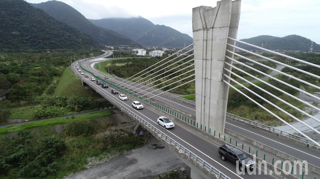 蘇花改最低速限50公里,龜速車將以超速開罰。本報資料照片
