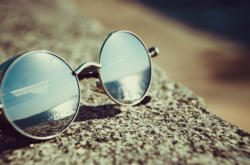 晒太阳也是一门学问,过度的晒太阳,就会变成肌肤的伤害。图/摘自 pexels