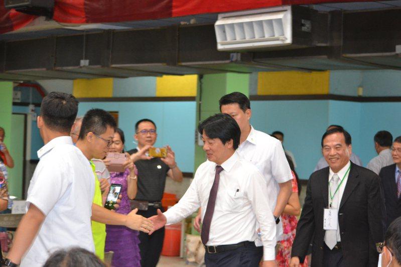 副總統賴清德今天下午到台南一中出席台大醫學院教授陳耀昌的演講。記者鄭惠仁/攝影