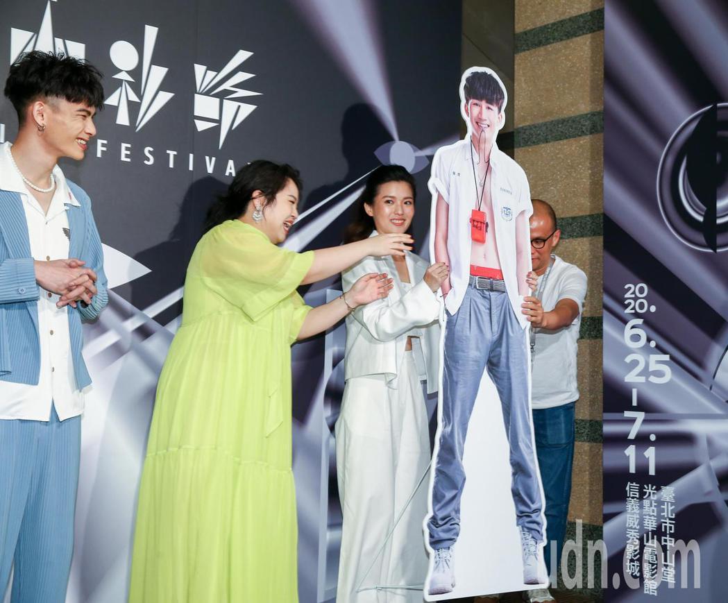 講述處男破處情節的情慾喜劇電影《破處》將在台北電影節世界首映,因演員吳肇軒不克前...