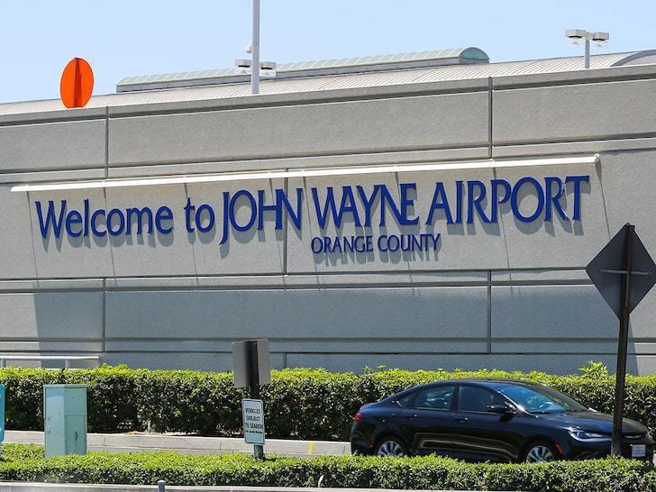 橙縣民主黨促當地機場撤下約翰韋恩姓名及雕像。圖/世界日報提供