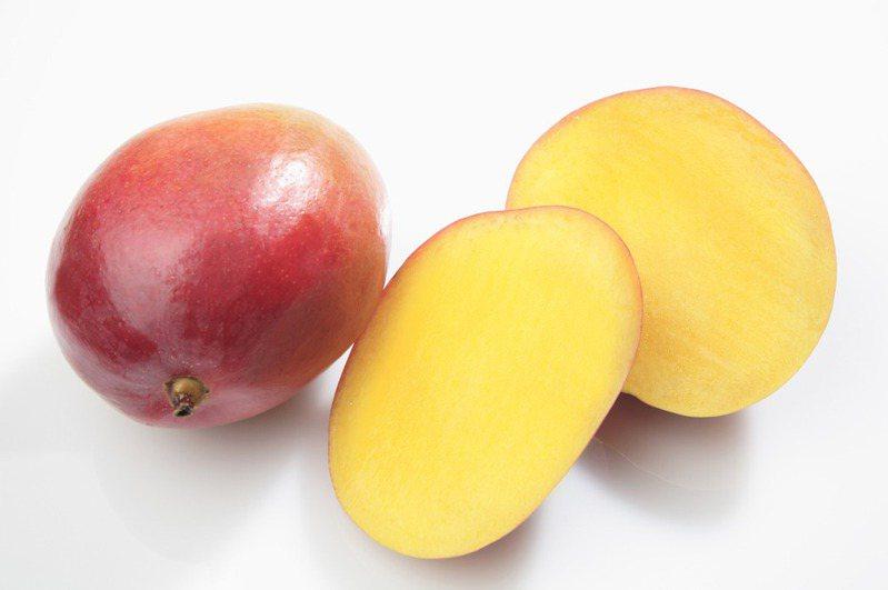 香甜多汁的芒果深受大小朋友喜愛。圖片來源/ingimage